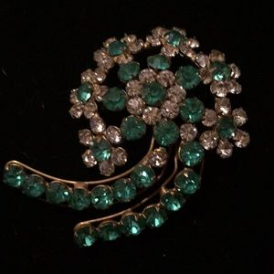 Jewelry - Vintage Large Green and Clear Rhinestone Brooch